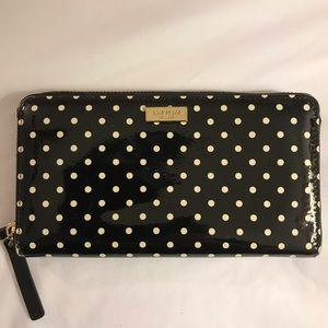 Kate Spade wallet black & white pooka wallet